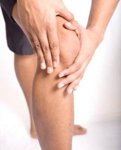 Krakende knieën kunnen op artritis wijzen